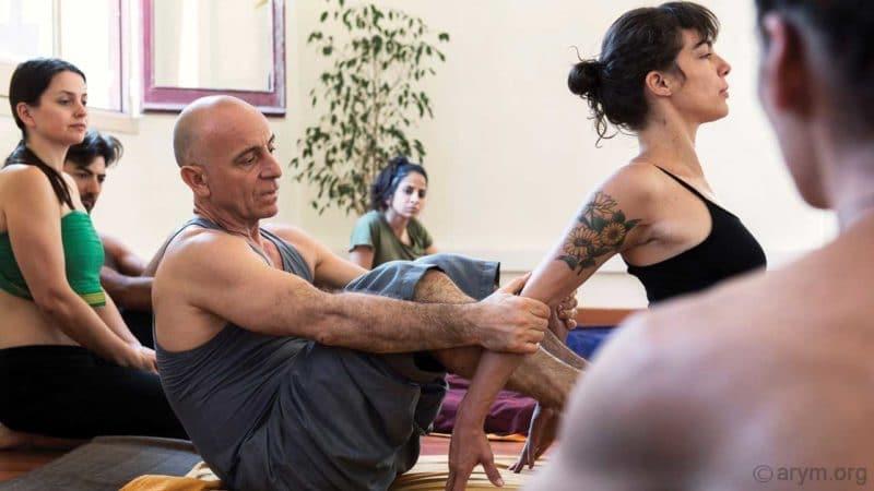 Ayurvedic Yoga Massage training – The Lumbar Opener Stretch