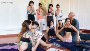 Ayurvedic Yoga Massage training – The Torsion Stretch_300x169
