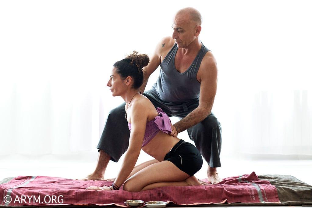 Ayurvedic-Yoga-Massage-ARYM_CHP3343cor.jpg